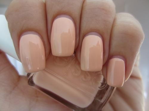 Pastel peach nails