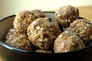 no-bake-energy-balls-2