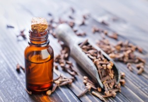 01 clove essential oil