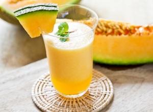Cantaloupe-smoothie-2