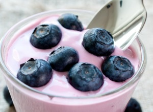 flavored-yogurt-10-easy-ways-get-processed-food-out-your-diet
